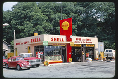 Rube & Sons Shell gas station, front view, Route 9, Kingston, New York (LOC)