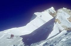 Gipfelgrat am Manaslu, 8163 m. Foto: Günther Härter.