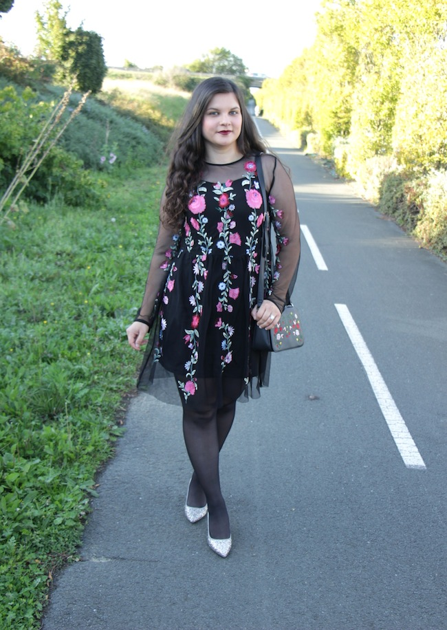 comment_porter_petite_robe_broderi_conseils_blog_mode_la_rochelle_7