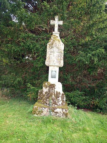 Churchyard cross (1)