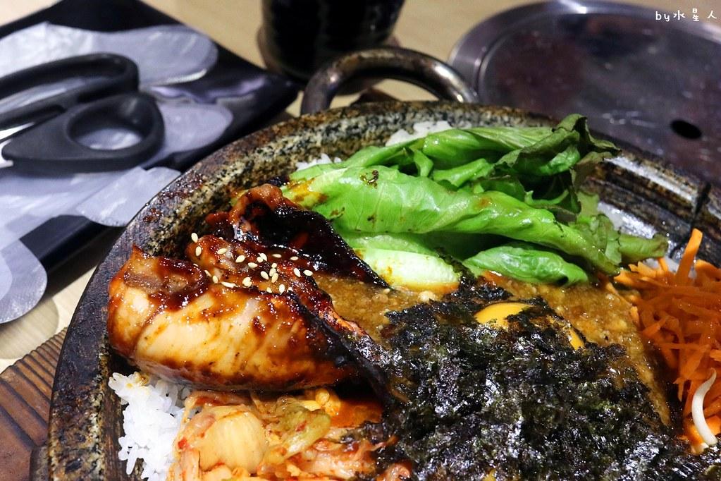 24002431317 69bdd25fb9 b - 熱血採訪|O八韓食新潮流,平價創意韓式料理,石鍋拌飯份量十足