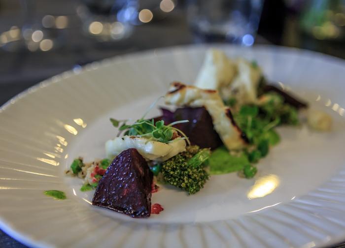 Tammisaari Hotel Sea Front kasvisruoka ruoka-annos punajuuriruoka ruokapaikka Raasepori