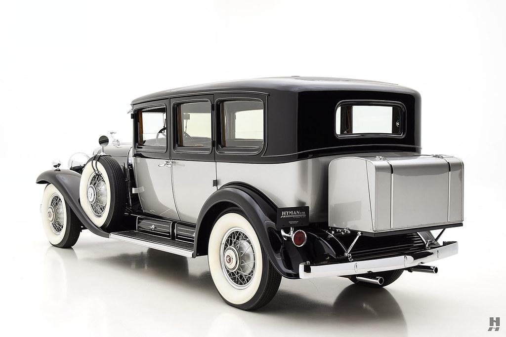 30006_S Cadillac Series 452 Fleetwood 452CI V16 3SPD Limousine_Black Silver