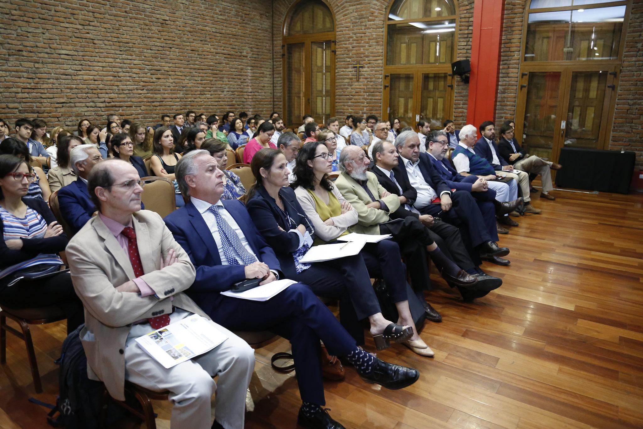 """Seminario """"La espera en el sistema de salud: propuestas para un nuevo Gobierno"""""""