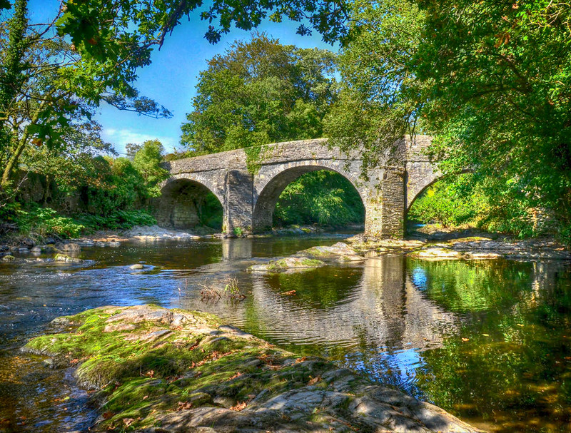 Bridge over the River Dart, Devon. Credit Baz Richardson