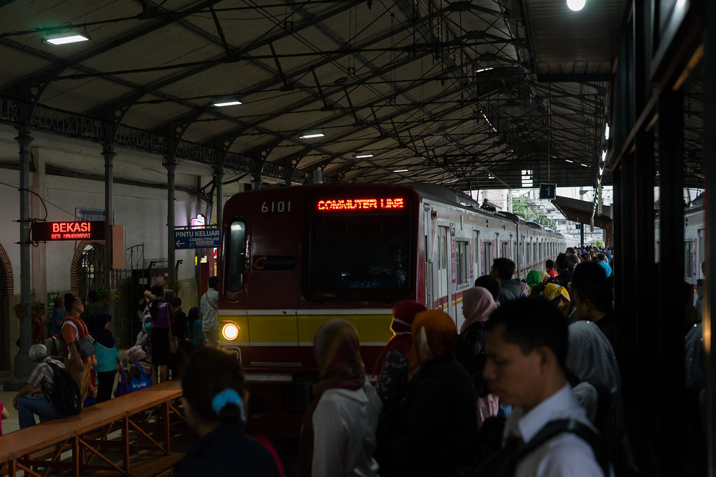 TM6000;Blue Line;Stasiun Jatinegara