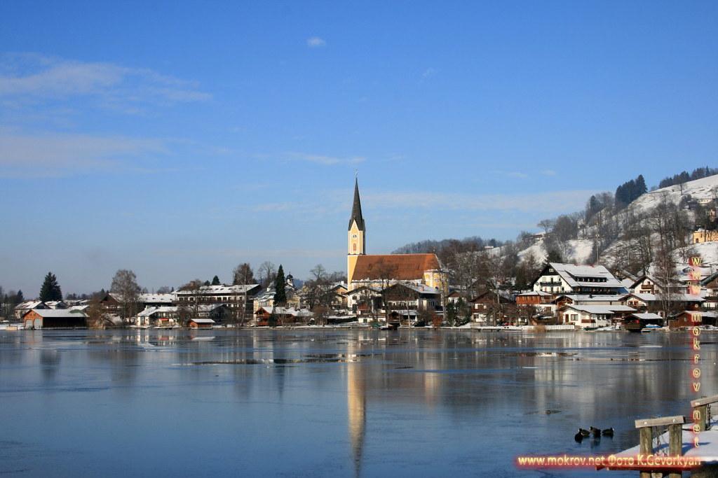 Бавария — земля на юге и юго-востоке Германии прогулки туристов с фотокамерой