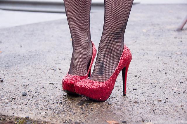 sugarfree shoes korkokengät paljeteilla punaiset korkkarit