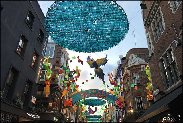UK - Xmas Carnaby Street