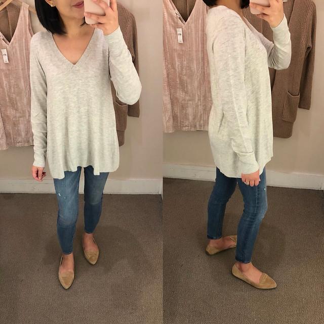 LOFT V-Neck Swing Sweater, size XS regular