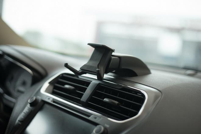The All-New Ford Escort配備可攜式裝置支架兼顧娛樂與安全