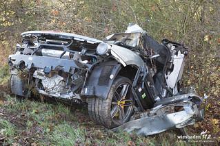 Schwerer Vekrehrsunfall Sporteagen B8 Kelkheim 28.11.17