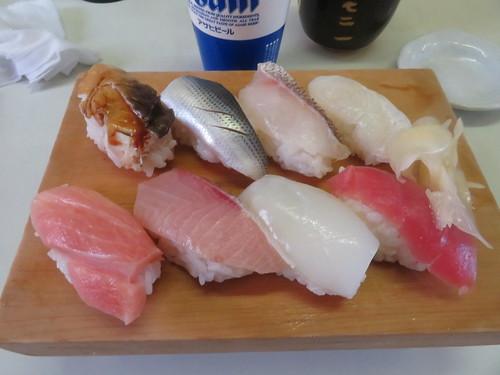 金沢競馬場グルメの代表格である寿司