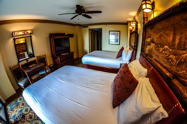 Wilderness Lodge room otherway