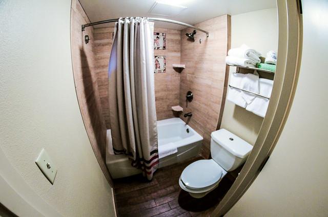 Wilderness Lodge shower