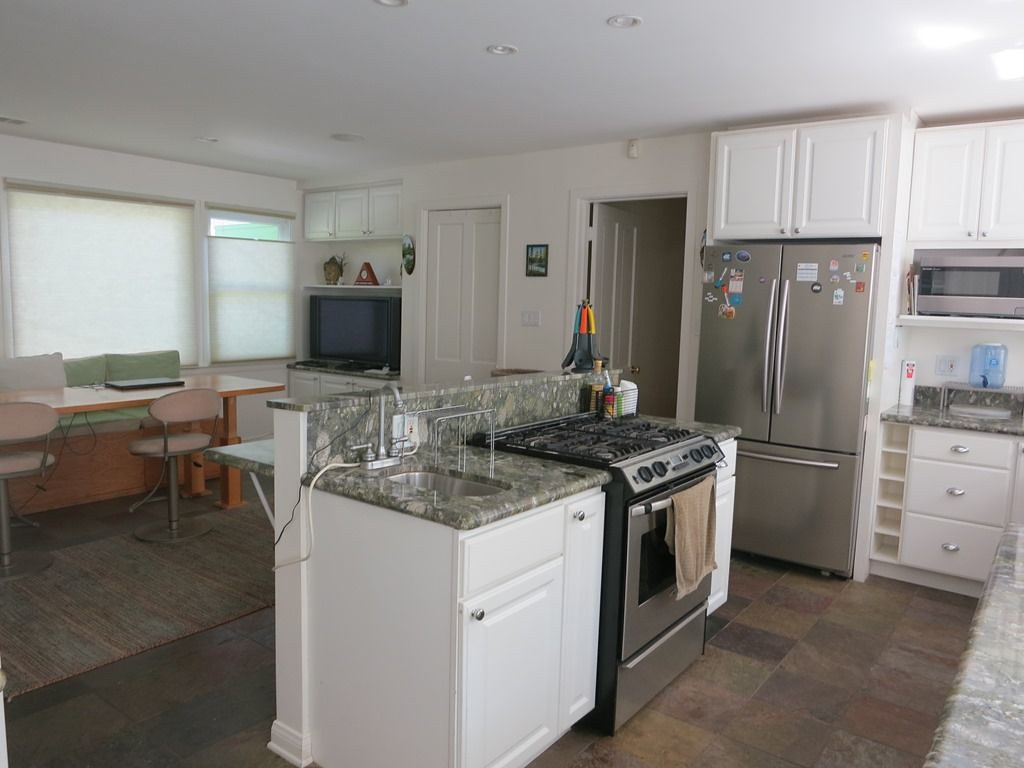 11006 Cashmere St,Los Angeles,California 90049,4 Bedrooms Bedrooms,3 BathroomsBathrooms,Apartment,Cashmere St,6574