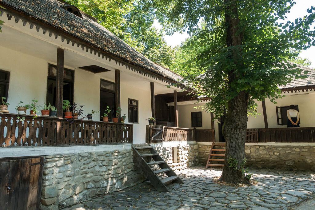 Bucharest-09250