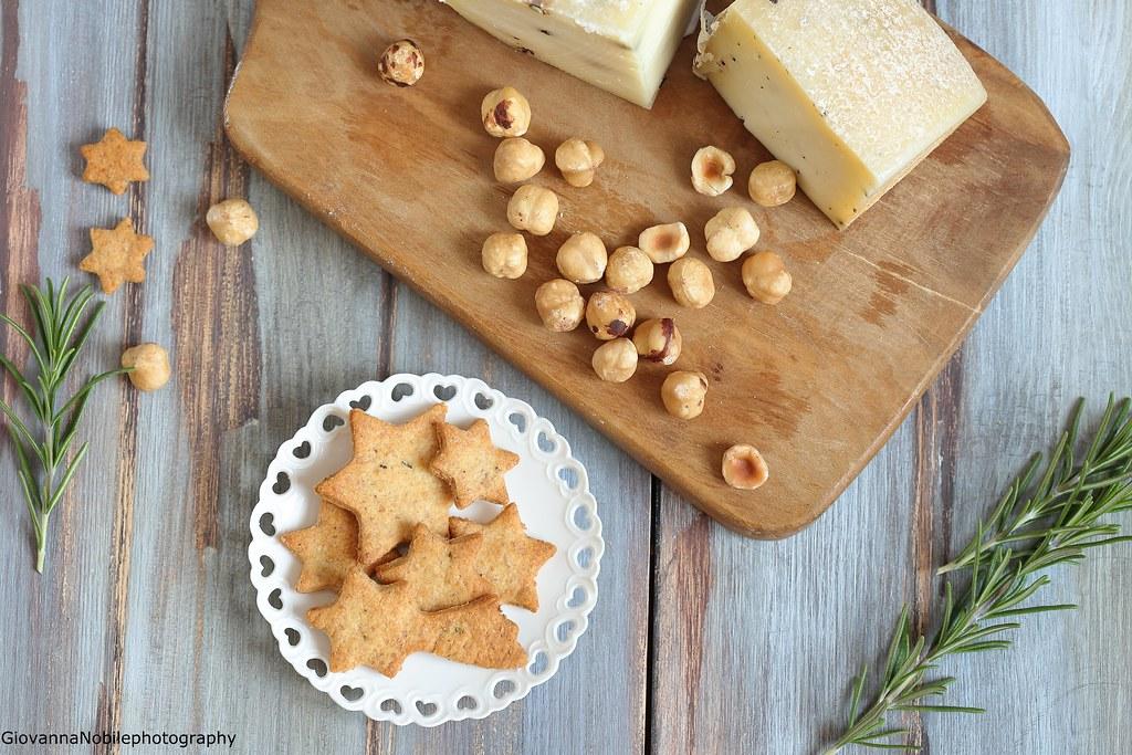Biscottini con parmigiano e rosmarino 4