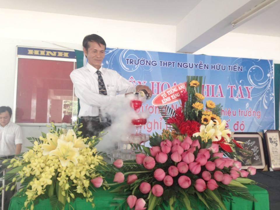 Hình ảnh tri ân thầy PHT Dương Năm nghỉ hưu