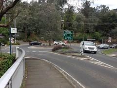 Warrandyte Bridge roundabout