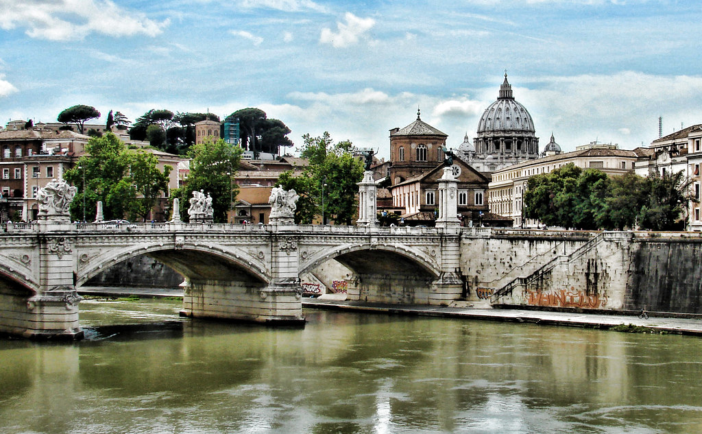 Rome Hotels Near Vatican City and Colosseum | Rome