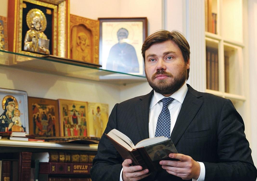 Спонсора бойовиків на Донбасі оголосили в міжнародний розшук