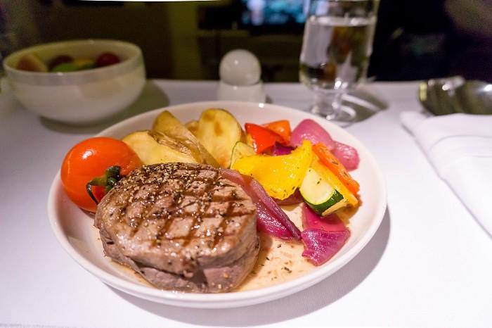 171201 シンガポール航空B777-300ビジネスクラス機内食