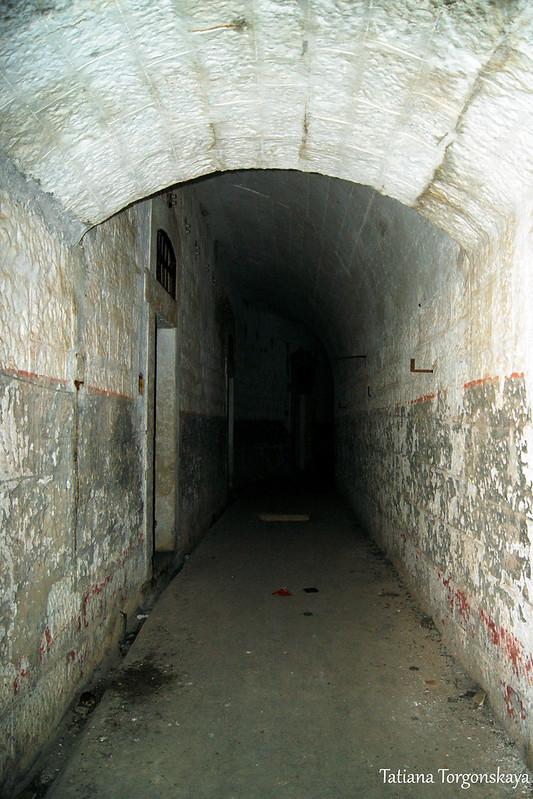 В коридоре крепости Врмац