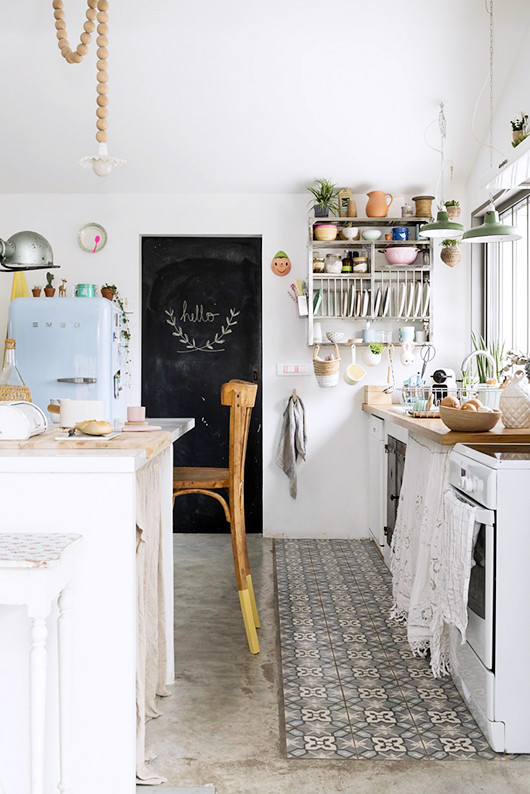 02 kitchen smeg suelo vinílico