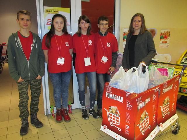 Zbiórka żywności w ramach ogólnopolskiej akcji CARITAS TAK!