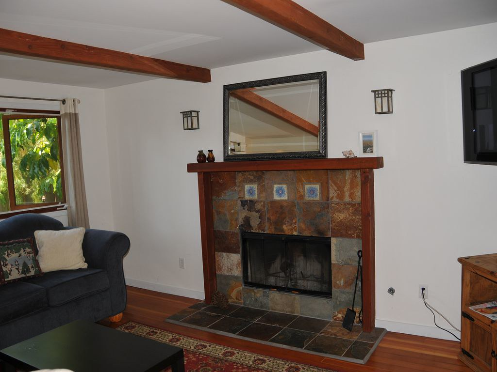738 Ashland Ave,Santa Monica,California 90405,2 Bedrooms Bedrooms,1 BathroomBathrooms,Apartment,Ashland Ave,5255