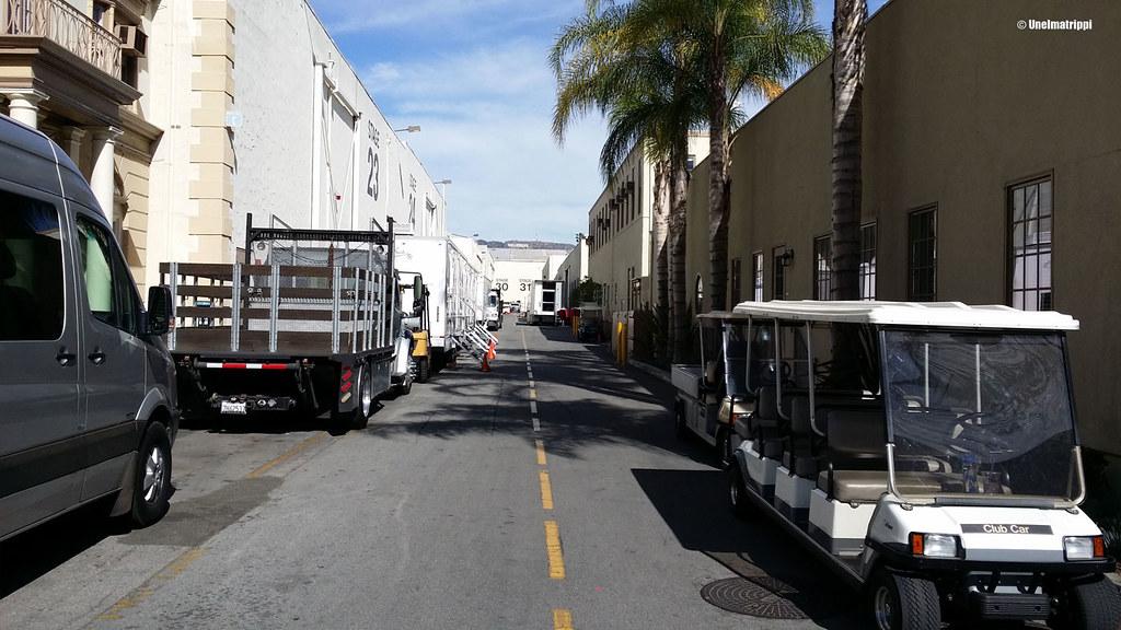 Kulkuneuvoja studioalueella, Paramount Pictures