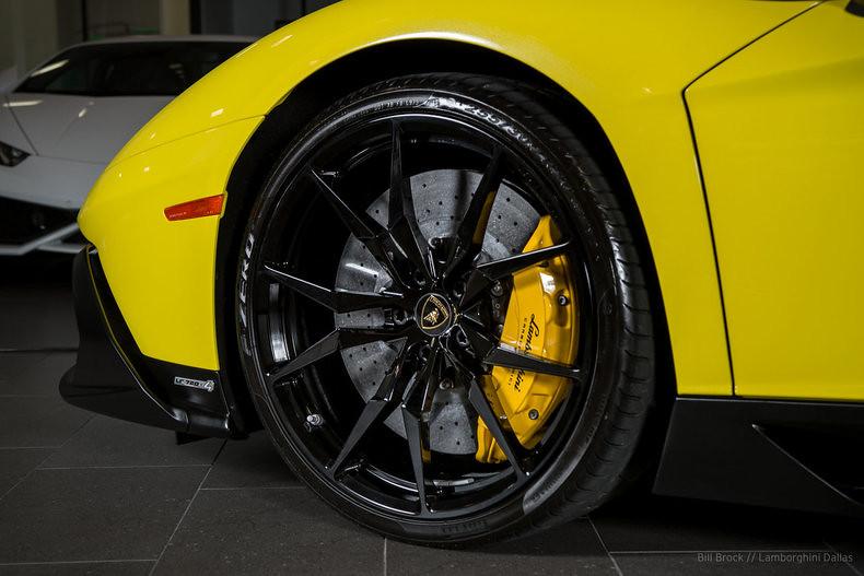 Lamborghini-Aventador-50th-Anniversario-For-Sale-17