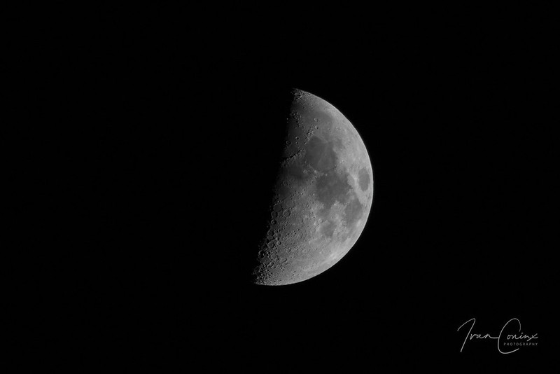 Moon – Mechelen – 2017 11 26 – 01 – Copyright © 2017 Ivan Coninx