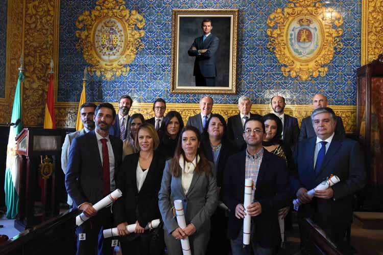 RECEPCIÓN Y JURA DE LOS NUEVOS AGENTES DE LA PROPIEDAD INMOBILIARIA EN EL COLEGIO DE CÁDIZ5
