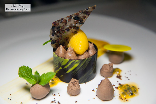 Cioccolato e frutto della passione, Mousse al cioccolato al latte, frutto della passione e sorbetto ai frutti tropicali | Chocolate and passion fruit, Milk chocolate mousse, passion fruit and tropical fruits sorbet