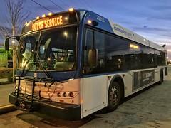 Community Transit 2008 New Flyer D40LFR 28105