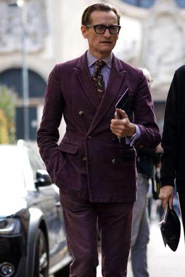 紫コーデュロイダブルジャケット×紫チャックシャツ×柄ネクタイ×紫パンツ