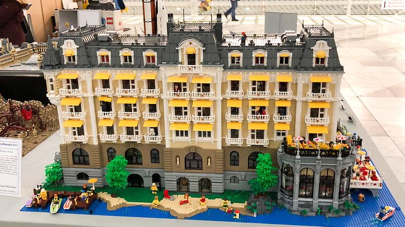 MOC] Grand Palace Hotel - LEGO Town - Eurobricks Forums