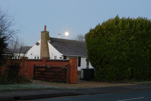 DSCN7939 Moon