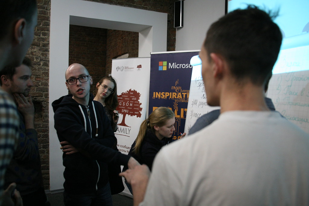 О технологиях и о том, как они создаются, рассказал лидер глобальной бренд-стратегии Microsoft Stores