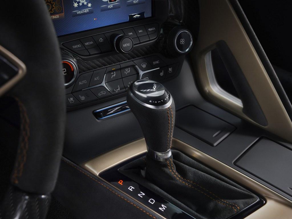 2019-Chevrolet-Corvette-ZR1-010