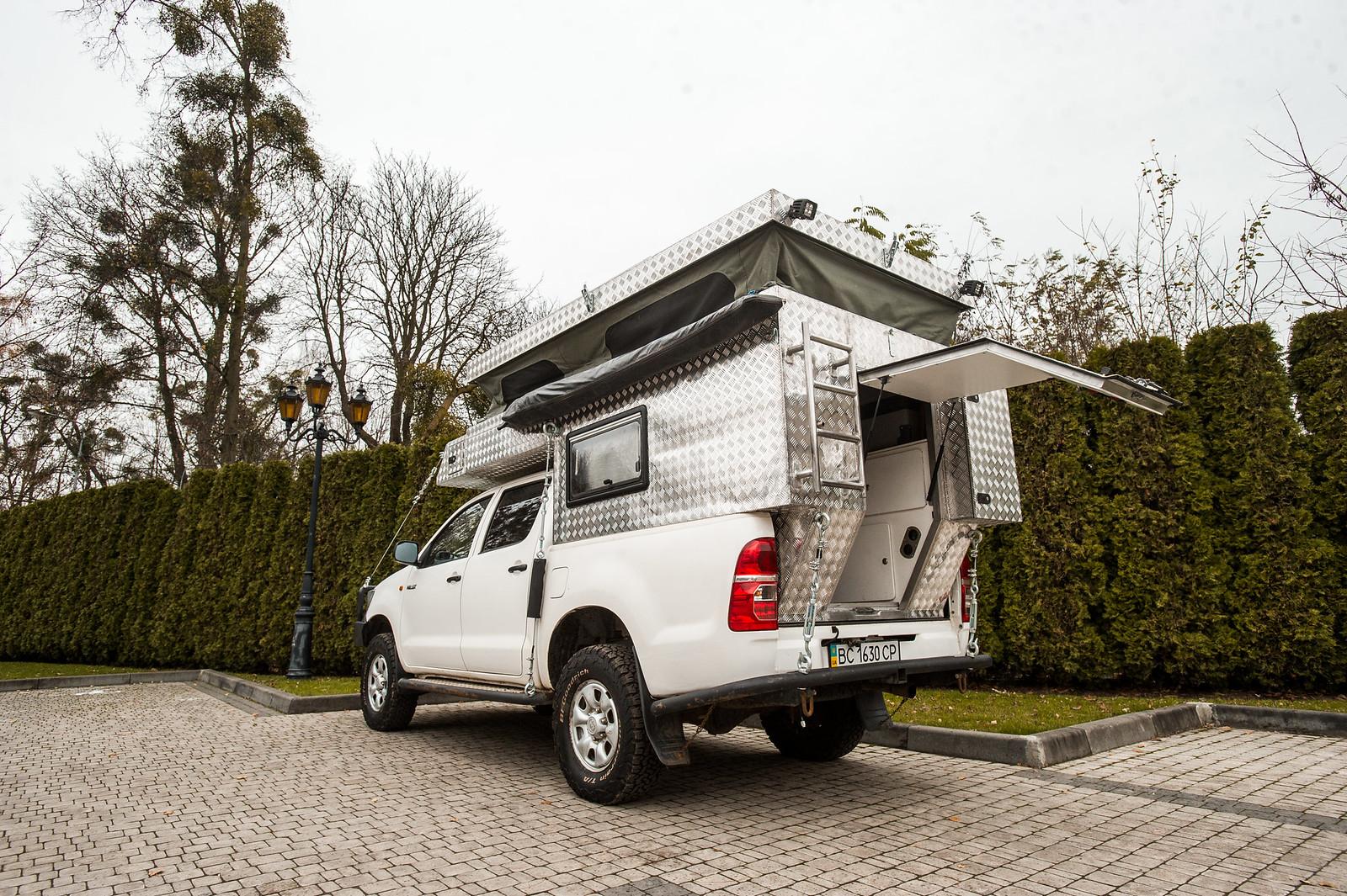 Продам Toyota Hilux Off-Road Camper 38030273534_af77424a4c_h
