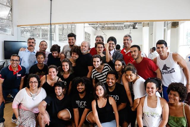 Em Caravana, estudantes agradecem políticas educacionais da gestão Lula
