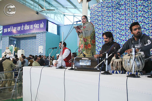 Devotional song by Inder Arora from Sant Nirankari Colony, Delhi