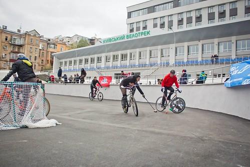 Hardcourt-Bike-Polo-BikeinCity-12