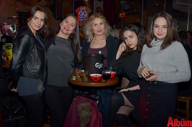 Alina Miroshnichenko, Umida Hudaybergenova, Elvira Hasanşina, Diana Hudaybergenova, Gulnara Hudaybergenova