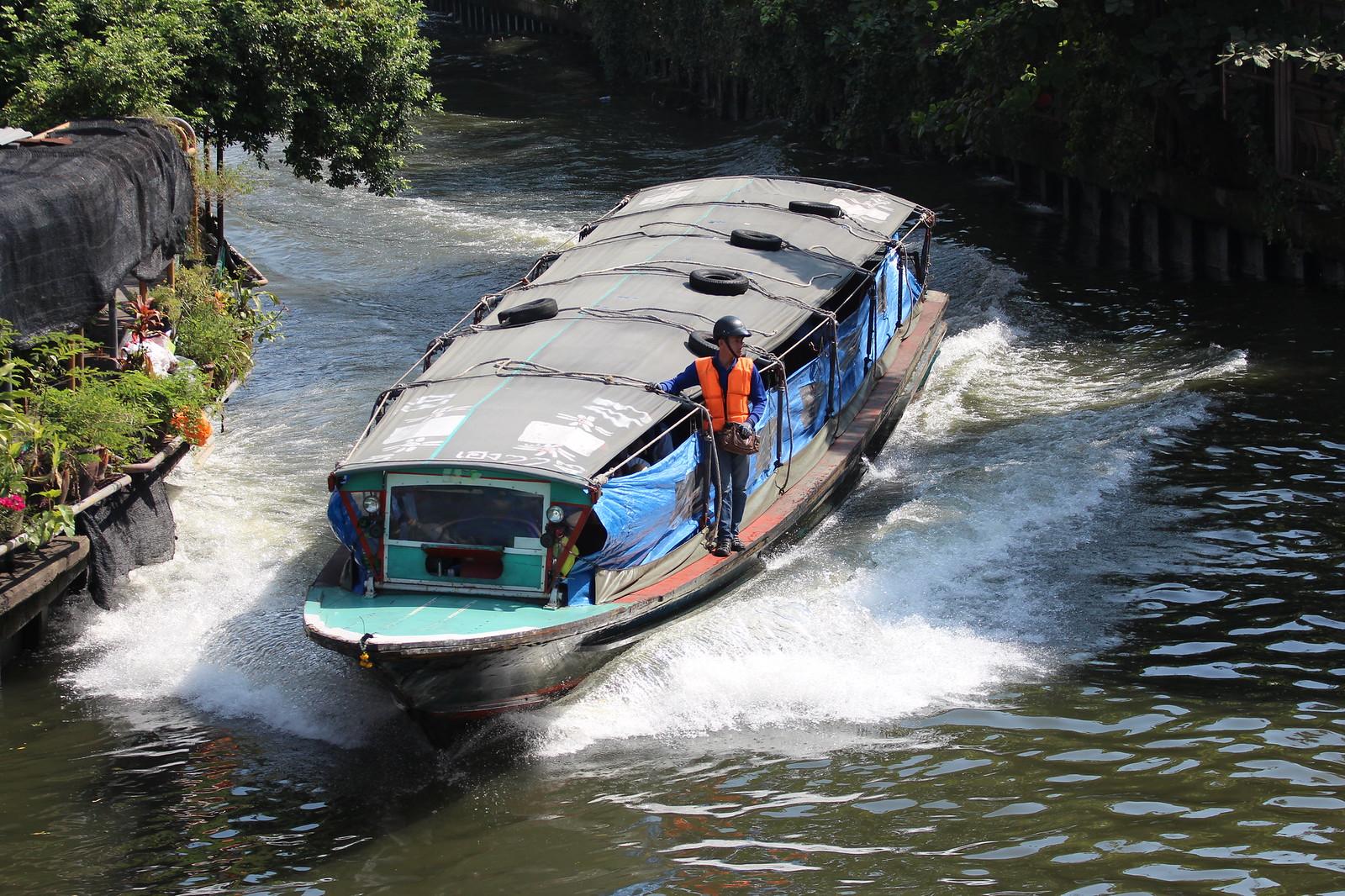 Bangkok ja kanavabussi