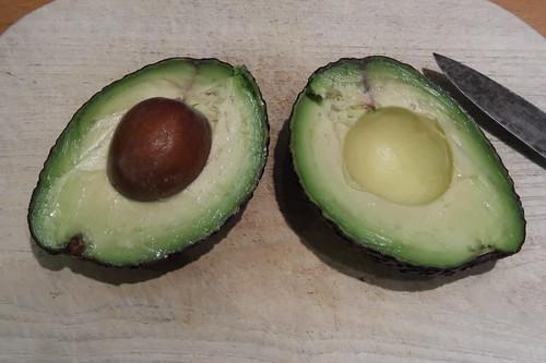Avocado (aufgeschnitten)