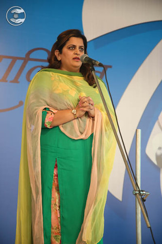 Devotional song by Parul from New York, USA